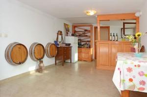 korcula-wine-smokvica-repak-12 - korcula wine smokvica repak 12 300x199