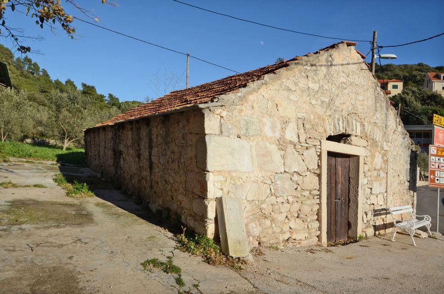 Starija kuća uz plažu u Brni - starija kuca za prodaju brna 06